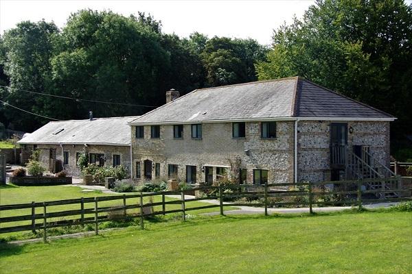 Bowden Lodge exterior